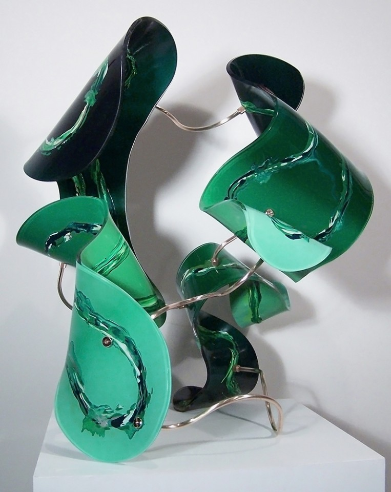 Emeralds_33x27x29_Website